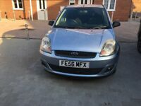 ZETEC TDCI £30 A YEAR TAX FULLY LOADED EXCELLENT CONDITION INSIDE AND OUT ONLY 2 OWNERS FROM NEW