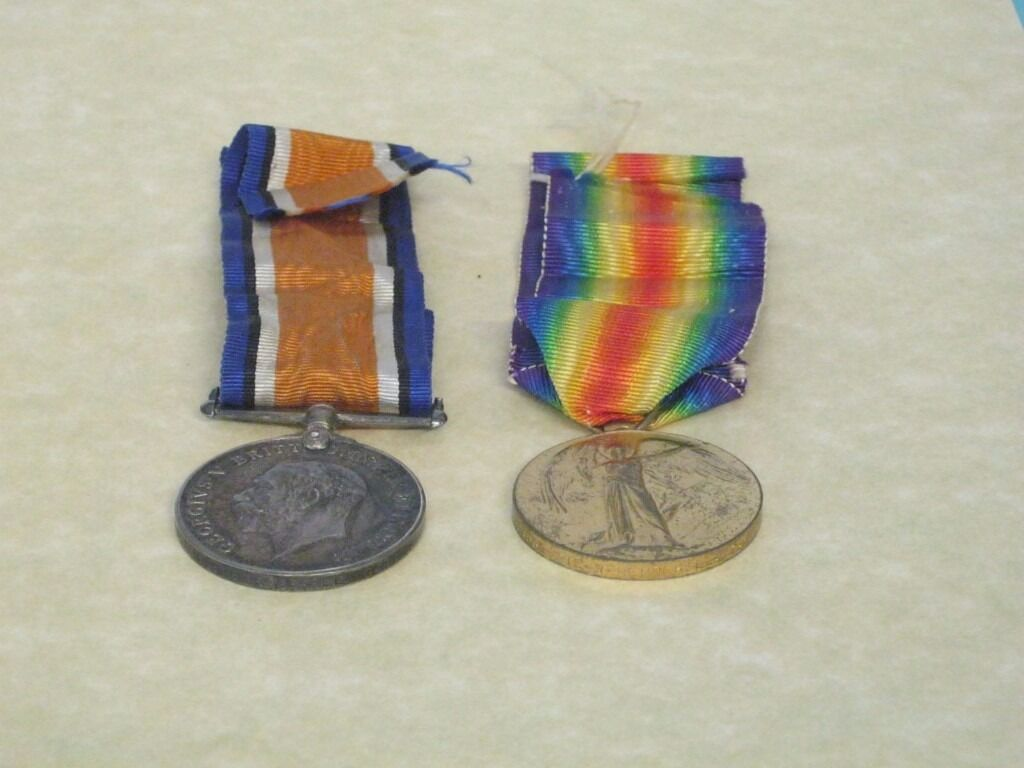 World War I pair of medals - named to 21837 Pte W Pepperell C GDS