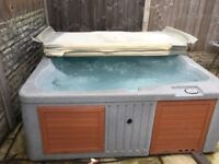 Hot tub /spa with insulated lid/chemicals and step