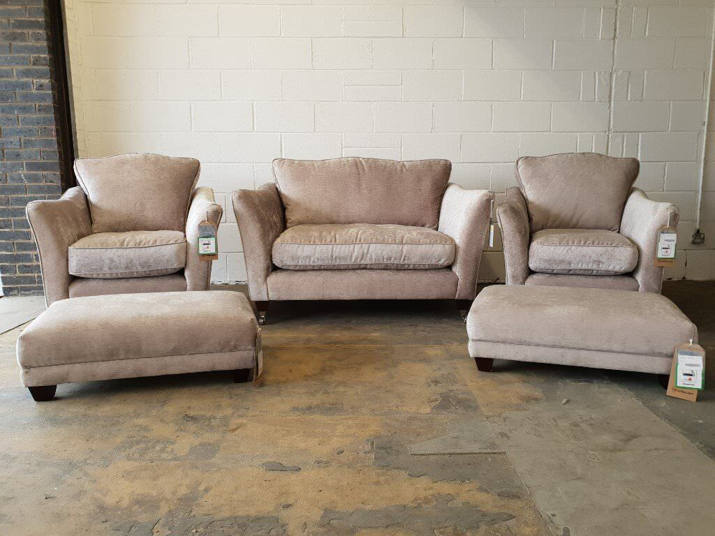 BRAND NEW STILL WITH TAGS FABB SOFAS MAJESTIC LOUNGE SUITE CUDDLER SOFA, 2 ARMCHAIRS & 2 FOOTSTOOLS