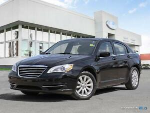 2014 Chrysler 200 $118 b/w | LX | Bluetooth | Cloth | Heated Sea