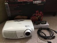 Full HD 3D Projector with pull down screen
