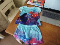 Girls Age 3-4 Years Nemo top and Shorts Pyjamas