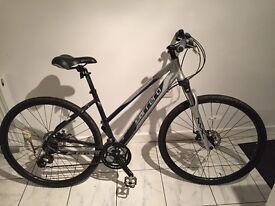 Womens hybrid bike