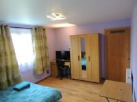 Private bedroom , room to let , festival room to rent