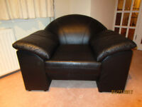 Just REDUCED: 2 Black Leather Armchair In Great Condition