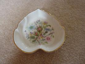 Very pretty Aynsley 'Wild Tudor' bone china leaf shaped dish