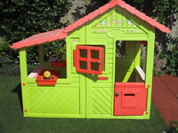 Smoby Playhouse very good condition.
