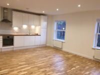 Recently refurbished and spacious 1 bedroom flat