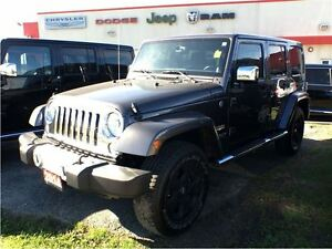 2014 Jeep Wrangler UNLIMITED SAHARA**NAVIGATION**BLUETOOTH**HEAT