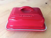 LE CREUSET RED STONEWARE LIDDED BUTTER DISH