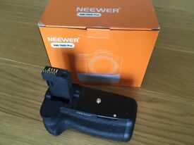Neewer Battery Grip for Canon 750D/760D DSLR Cameras (plus 2x LP E17 Battery Packs)