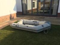 Tender dinghy