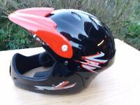 Full face cycle helmet