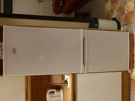 Zanussi free-standing FRIDGE FREEZER for SALE in CROOKES, SHEFFIELD. Empty & ready to collect