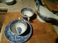 Various pieces of china pottery