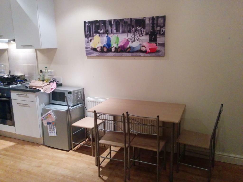 4 Seat Dinning Table Seat Great For Saving Space United Kingdom Gumtree