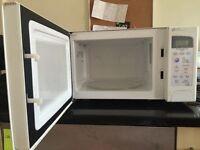Daewoo Microwave £30
