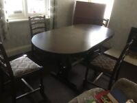 Extendable Oak dining table and 5 chairs