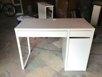 White desk with drawers & shelves