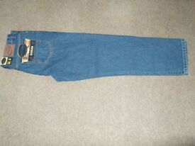 mens jeans good quality brand new with labels and packaging the brand is blue circle