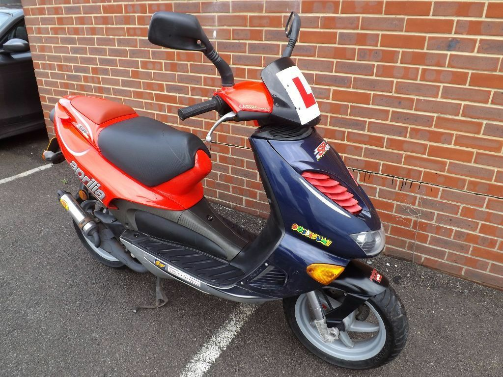 aprilia sr 50 unrestricted two stroke 50cc scooter in cranleigh surrey gumtree. Black Bedroom Furniture Sets. Home Design Ideas