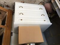 White dressing table/Chest of drawers. Long dressing table with 7 drawers.