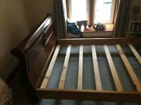 Kingsize Sleigh Bed