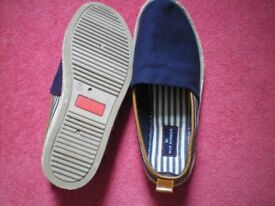 M & S unworn casual beach shoes,Marks and Spencer,navy + white canvas,as new size 7, gent's loafers