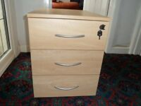 OFFICE DRAWER CABINET (3 drawers)