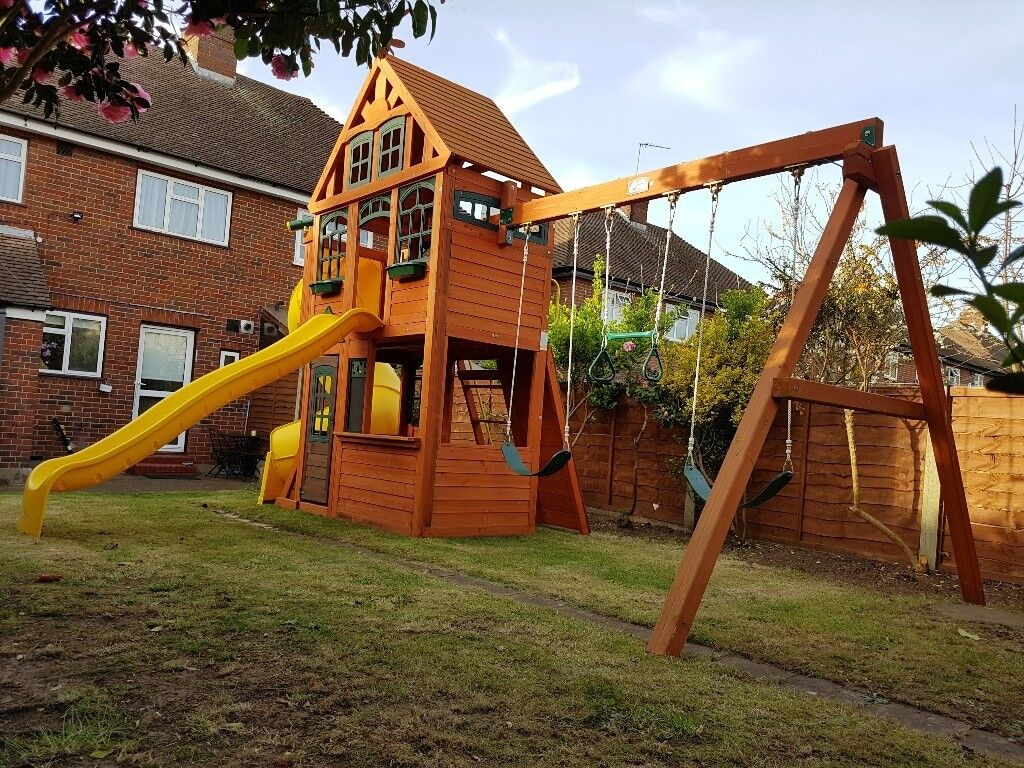 Play house/centre for kids - garden | in Surrey | Gumtree