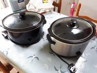 2 slow cookers £10 each