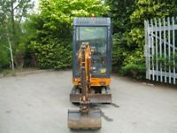 1.5T HANIX DIGGER WITH 3 X BUCKETS