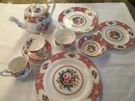 Full 6 setting Royal Albert Tea Set- amazing condition and great price
