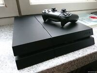 PS4 500 GB with 1 controller and GTA V