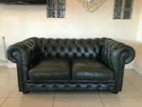 STUNNING CHESTERFIELD 2 SEATER CLUB SOFA IN A GREEN LEATHER