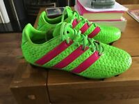 Boys Adidas size 6 (39) football boots,worn once