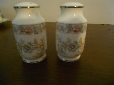 Noritake Imperial Garden Salt And Pepper Shakers   9720  Pristine Condition