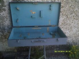 WOODWORKERS TOOL CASE , NOT PERFECT BUT CHEAP , £ 10 only AND STILL DOES THE JOB ? ?