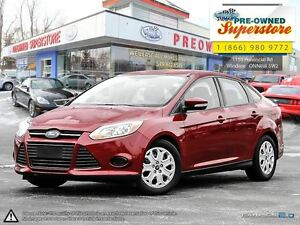 2014 Ford Focus SE >>>Ultra low kms <<<