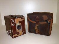 EASTMAN KODAK No. 2 BEAU BROWNIE in tan
