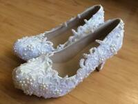 Beautiful bead and lace wedding bridal shoes size 6.5 (but may fit size 5 or 6)