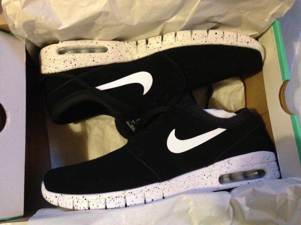 more photos d2f99 ad318 Nike Janoski Max L Trainers - UK 7.5, US 8.5, EU 42 - Black White - NEW