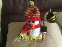 Knitted penquin