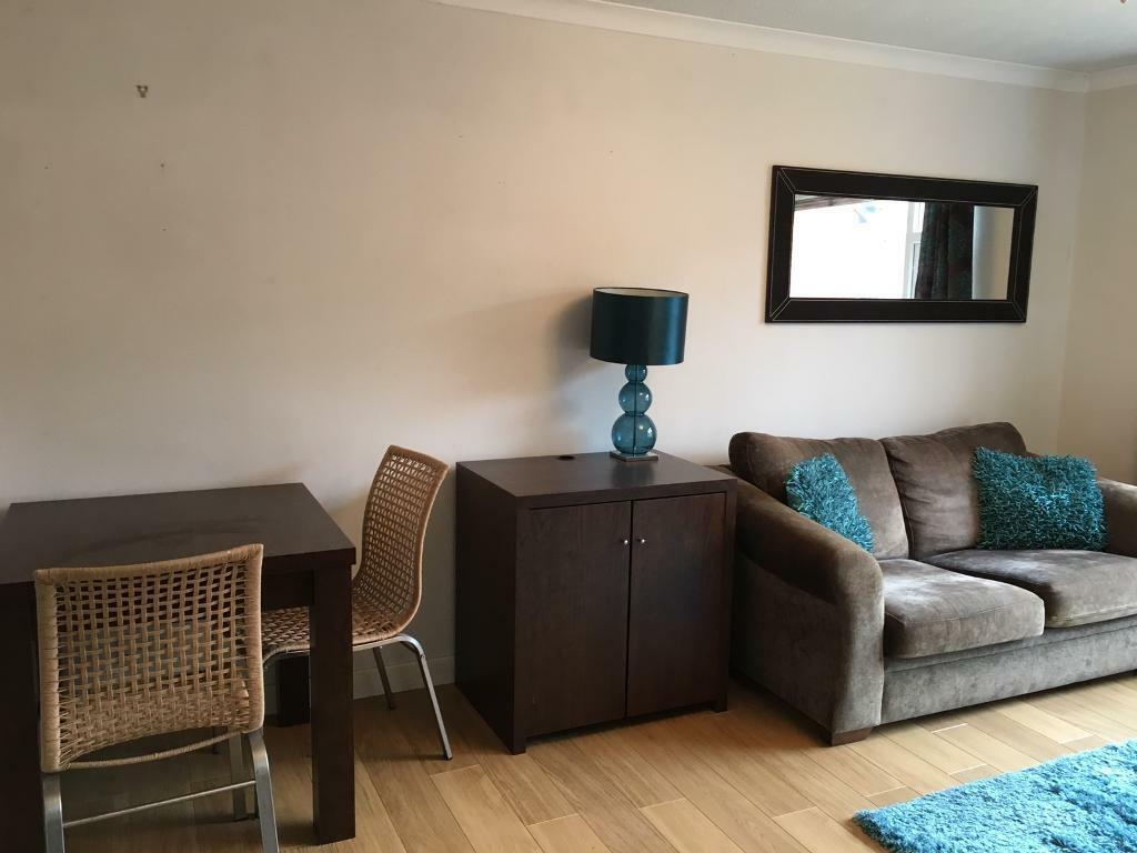 The Living Room Furniture Store Glasgow Fully Furnished Modern 1 Bedroom Flat To Rent Glasgow West End