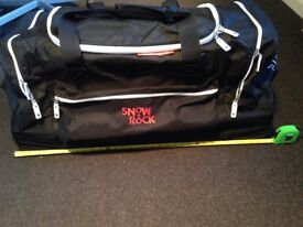 Snow and Rock ski bag with wheels (Large)