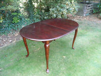 Extendable Wood Lacquered Table
