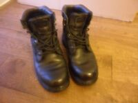 CATERPILLAR MENS SIZE 9 BLACK WORKBOOTS