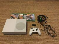 Xbox one S 1T + extras