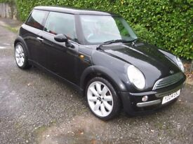 MINI COOPER 1.6, 2004, FSH, PANORAMIC ELEC SUNROOF & A/C, BLACK